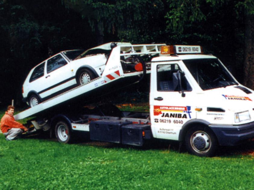 Janiba Karosserie- und Lackierfachbetrieb Abschleppwagen 1997