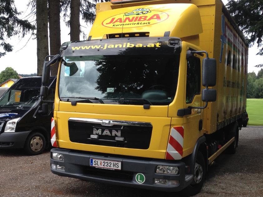Janiba Karosserie- und Lackierfachbetrieb Abschleppwagen 2017