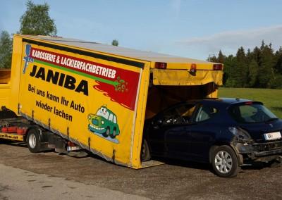 Hol- und Bring-Service. Transport bei Bedarf im eigenen, geschlossenen LKW.